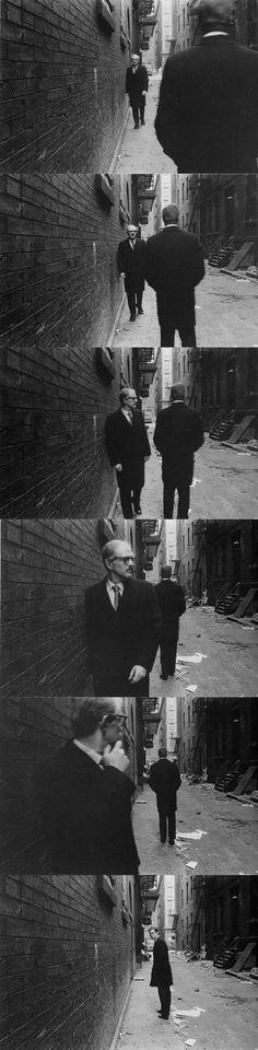 Duane Michals est un célèbre photographe américain né en 1932 qui a créé, entre autres, de nombreuses petites séries de photographies racontant une histoire souvent très drôles et parfois surréalistes. — — — — — —