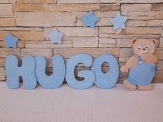 Composicion nombre de niño con osito. http://pekerines.blogspot.com.es/search/label/Siluetas%20de%20madera