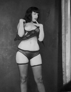 Before photoshop existed, i love it!  Bettie Page