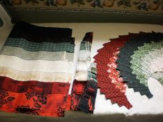 Quilt, Knit, Run, Sew: Christmas in July - Spicy Spiral Christmas Table Runner