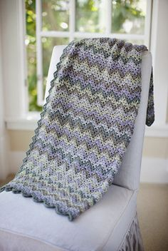 Vintage Crocheted Throw & Afghan (in 5 or 7 colors) Pattern