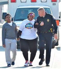 Woman Who Used To Weigh 500 Pounds Gives Thanks To Kind Officer For His Help In Her Time Of Need - GodVine