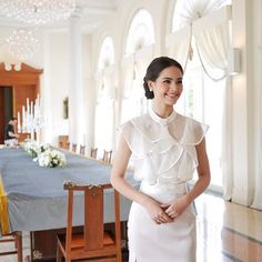 Spotted Khun yaya in our organdy silk top. Modern Filipiniana Dress, Civil Wedding Dresses, Thai Fashion, Sexy Blouse, Blouse Outfit, Native American Fashion, Beautiful Blouses, Celebs, Celebrities