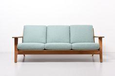 modest.furniture_vintage_1172-hans-j-wegner-getama-ge290.01.jpg 1,920×1,281 pixels