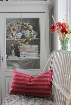 You can`t use up CREATIVITY. Cozy Cottage, Cottage Style, Christmas Lanterns, Christmas Decorations, Vibeke Design, Scandinavian Christmas, Color Themes, House Tours, Christmas Holidays