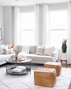 Ideas for a Modern Minimalist Living Room with Grey Color Scheme. Gray Modern Living Room Sectional Inspiration. Scandi Living Room, Living Room Trends, Living Room Sectional, Modern Sectional, Scandinavian Living, Living Room Grey, Living Room Decor, Living Rooms, Gray Sectional