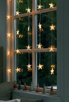 Christmas Decor :: Inspiration for Your Home. love these ligths!