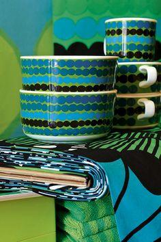 """""""Marimekko, Ask Anja Aeschlimann at the showroom Finnova, quai de la Tournelle, Paris Tél. Textiles, Textile Patterns, Textile Design, Print Patterns, Marimekko, Swedish Design, Blog Deco, Julie, Vintage Gifts"""