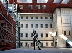 For museum lovers, the Reina Sofia is free on Mondays – Fridays from 7 pm to 9 pm, Saturdays from 2:30 pm to 9 pm, and Sundays from 10 am to 2:30 pm. Picasso's Guernica is here too!