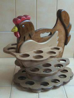 Resultado de imagen para gallinas en madera para huevos