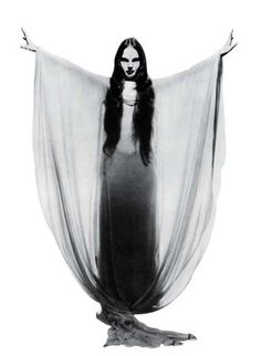 Top 10 Cult Classic Horror Queens   Vintage Style Files
