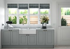 First Impressions Kitchens - Allestree beaded ash door painted Graphite Light Grey Kitchens, Solid Wood Kitchens, Two Tone Kitchen, New Kitchen, Country Kitchen, Kitchen Ideas, Shabby Chic Grey, Shabby Chic Kitchen, Kitchen Doors