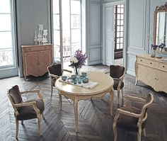 dining room, Traditional Dining Room Design Ideas With Wooden Flooring Design For Dining Room Interior Design Ideas With Round Dining Sets Design With Dining Room Furniture Ideas With Round Dining Table Design And Chair: Amazing Traditional Dining Room for Surprising Interior Design