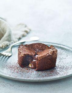 Sprød udenpå og blød indeni - det er jo intet mindre end lækkert! Og det bliver endda endnu bedre, når der tilføjes peanutbutter. Denne kage er for alle, som har en svaghed for smagen af chokolade og saltede nødder sammen!