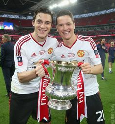 Matteo Darmian & Ander Herrera We Are Manchester, Manchester United Fa Cup, Manchester United Football, Premier League Champions, European Cup, Red Army, Europa League, Man United, The Unit