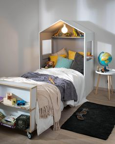 Cabin Headboard - For Makers - bed Baby Bedroom, Kids Bedroom, Bedroom Ideas, Kids Single Beds, Trendy Bedroom, Kid Beds, Bed Design, Toddler Bed, Home Decor