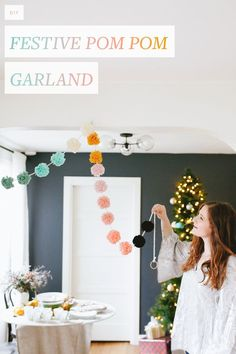 Start Out Your Very Own Sewing Company Add An Extra-Festive Touch To Your Holiday Decor This Season With A Colorful, Charming And Easy To Make Garland. Get The Full Tutorial On Diy Craft Projects, Diy Crafts, Diy Girlande, Pom Pom Garland, Pom Poms, Mermaid Parties, Do It Yourself Crafts, Crafty Craft, Winter Christmas