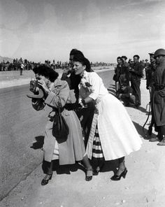 Women at the races [1950s]