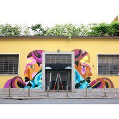 Com sede em Berlim, James Reka já expôs seu trabalho na Dinamarca, França, Estados Unidos, Austrália, Canadá, Londres, Nova Iorque, Berlim e Milão.