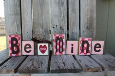 This would be so easy to make. Just a little scrapbook paper, blocks of wood and some lettering. Lots of modge podge fun