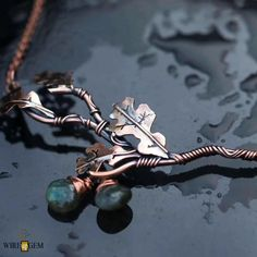 Dread Accessories, Wire Pendant, Wire Crafts, Leaf Necklace, Wishful Thinking, Beads And Wire, Wire Work, Wire Wrapped Jewelry, Copper Wire