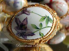 Pysanka egg with FlowersGold Polish easter eggshand by Bettineum, $24.96