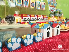 Mesa de dulces Paw Patrol / Cumpleaños 2 años Paw Patrol Party, Paw Patrol Birthday, Party Animals, Animal Party, Lincoln Birthday, Puppy Party, Halloween Activities, Cookies Et Biscuits, 4th Birthday