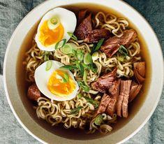 Beef Ramen Recipe, Beef Ramen Noodle Recipes, Healthy Ramen Noodles, Beef And Noodles, Ramen Noodle Soup, Ramen Noodles Recipe, Soup With Noodles, Ramen Food, Asian Recipes
