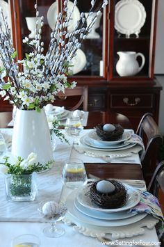Spring Table and dining room decor ideas. See these decor tips and my Spring Home tour!
