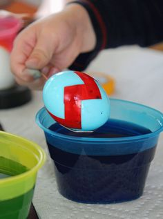 chevron Easter eggs, YES! I am obsessed with chevron currently