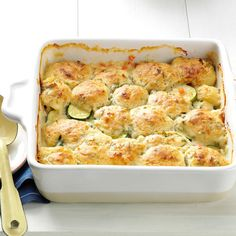 Summer Vegetable Cobbler Recipe- Recipes Here's a comforting vegetarian main dish that uses a lot of garden produce. Try different squashes like pattypan and crookneck or zucchini. Vegetarian Main Dishes, Veggie Dishes, Vegetable Recipes, Vegetarian Recipes, Cooking Recipes, Veggie Meals, Bhg Recipes, Meat Meals, Crock Pot Recipes