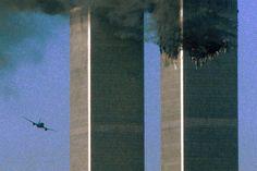 11 September 2001, World Trade Center Nyc, 911 Never Forget, Diy Home Crafts, Pentagon, Rare Photos, Historical Photos, New York City, Skyscraper