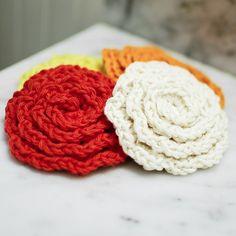 Free crochet flower face scrubby pattern