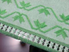 Bordados manuais/cânhamo tingido
