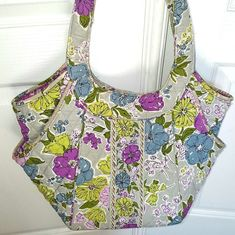 6debfc069e7 Vera Bradley Quilted Tote Watercolor Retired Pattern Mar 2011 till May 2012    Clothing, Shoes