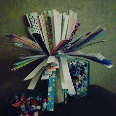 Bouquet de bandes... avant transformation en étoiles... #faitmain #handmade #origami #etoiles #stars #papier #paper