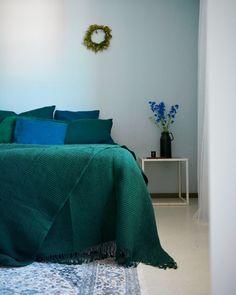 elokuun kesäpeti Comforters, Blanket, Bed, Furniture, Home Decor, Creature Comforts, Quilts, Decoration Home, Stream Bed