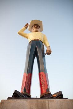 Amarillo, TX ... Muffler Man