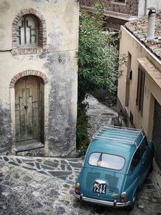 Fiat 500 Car in Castelmola, near Taormina, Sicily Fiat 500 Car, Fiat Cars, Fiat 600, Venice Things To Do, Lowrider Model Cars, 500 Cars, Rome, Model Cars Building, Taormina Sicily