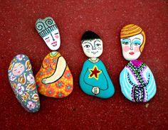 Nativity - painted pebbles * E l nacimiento de bebe piedra by Taller de Nora, via Flickr  #Nativity #Belén #Nacimientos