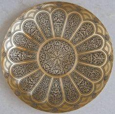 Bukhara Brass Platters Available for Sale Islamic Art Pattern, Arabic Pattern, Royal Pattern, Pattern Art, 3d Hand Drawings, 3d Cnc, Beautiful Home Designs, Copper Art, Steel Art