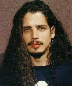 Chris Cornell looks like my son's daddy! A Saucerful Of Secrets, Chris Cornell Young, Say Hello To Heaven, Musical Hair, Temple Of The Dog, Smiling Man, Pearl Jam, Most Beautiful Man, Beautiful Things