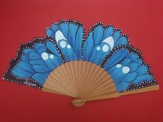 "ABANICOS PINTADOS A MANO "" DISIMUSA"" Antique Fans, Vintage Fans, Vintage Buttons, Hand Held Fan, Hand Fans, Chinese Fans, Fan Decoration, Modern Fan, Belle Epoque"