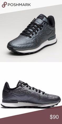 nike womens internationalist running shoe