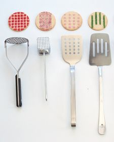 DIY: using utensils to make graphic patterns on cookies