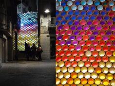 Iluminación efimera de Xevi Bayona, se puede considerar arte urbano. ¿Quieres inspirarte? http://www.lamparayluz.es/