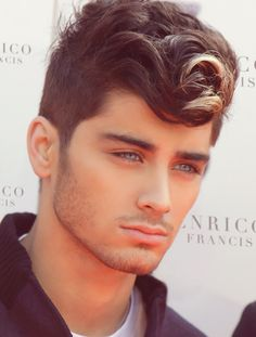 zayn malik -oh how that would be glorious if that was his real eye colour!