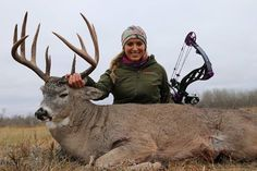 Seeing This Buck Freaked Eva Shockey Out Hunting Girls, Deer Hunting, Women Hunting, Facebook Features, Cool Gear, Animals, Fishing, Hdr, Weapons