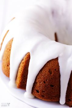Pumpkin spice cake with cream cheese frosting http://www.gimmesomeoven.com/pumpkin-spice-cake/