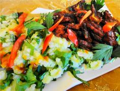 Andijviestamppot Tempé (andijviestamppot met Javaanse tempé)  Recept: http://www.surinaamseten.nl/showrec.php?IDREC=614